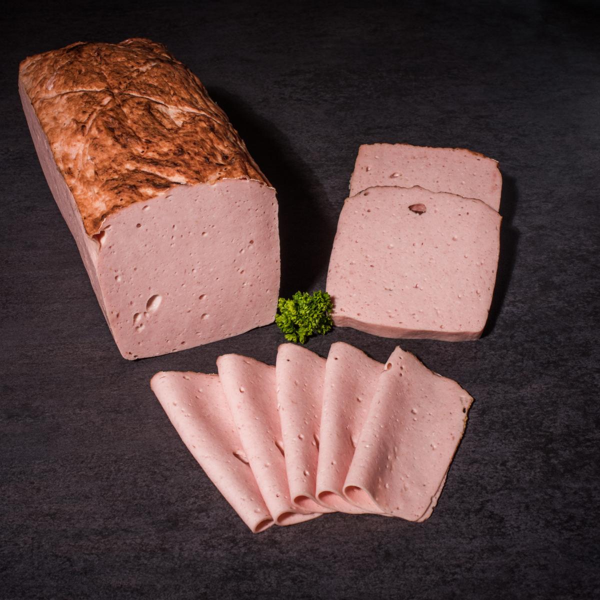 Fleischkäse geschnitten